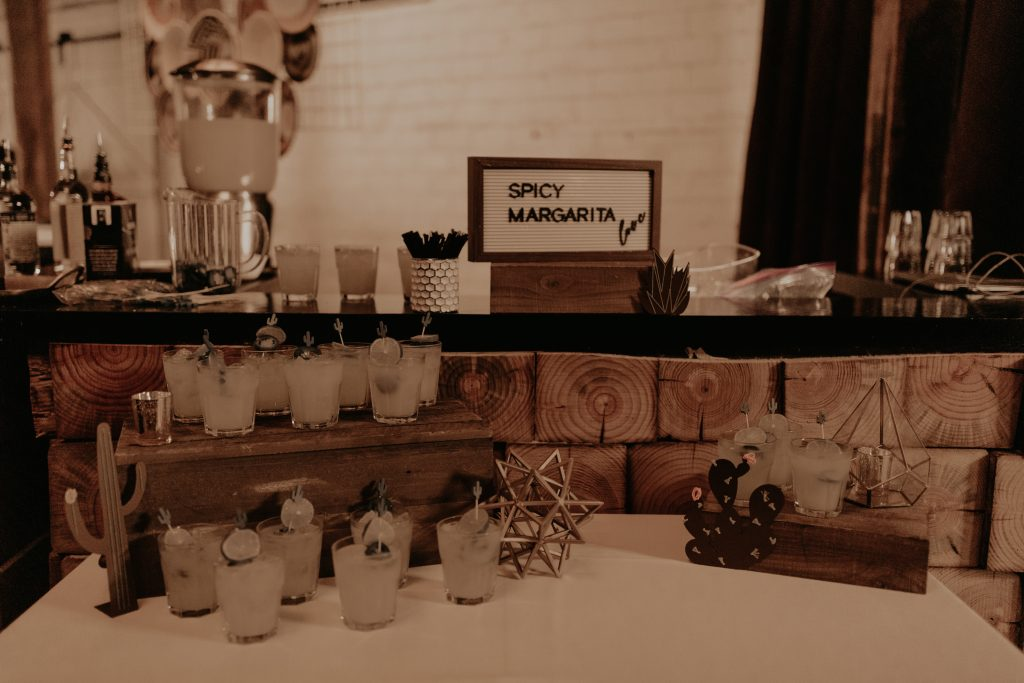 Mod West Wedding - Bar Design