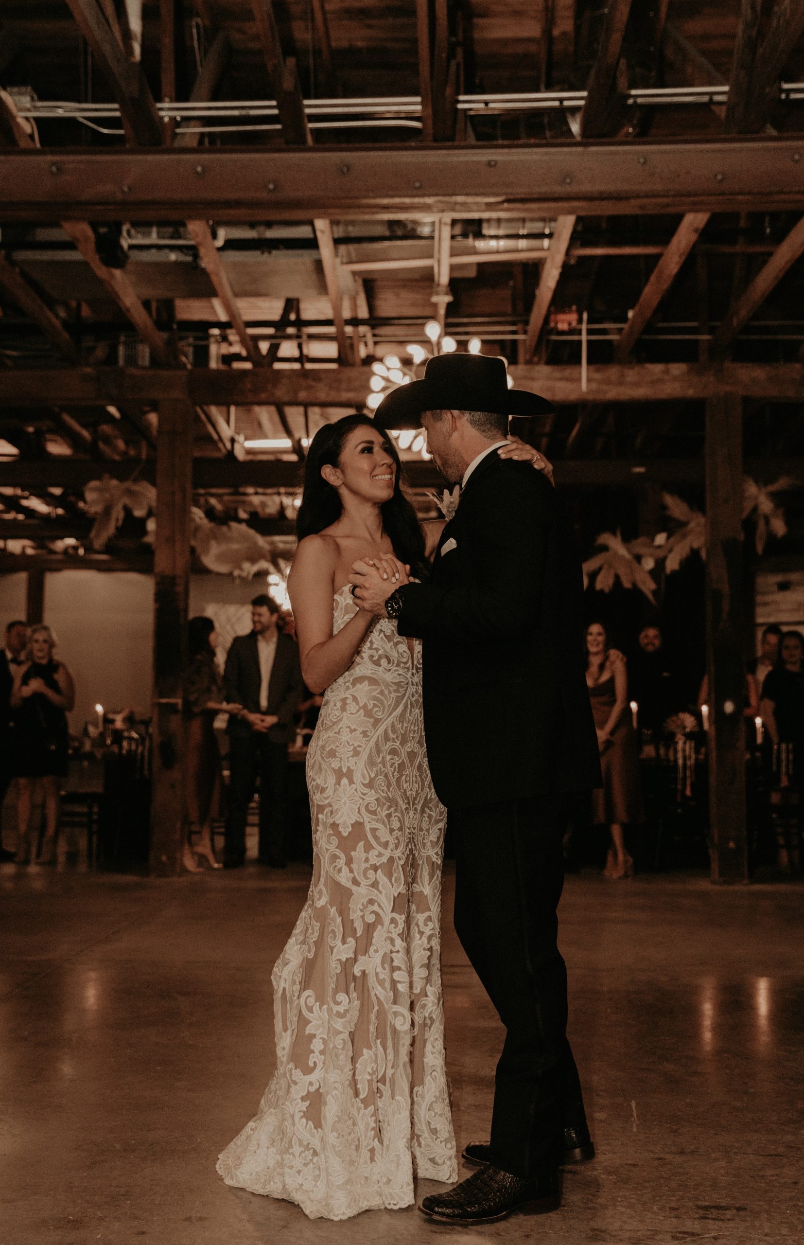 Mod West Wedding - First Dance